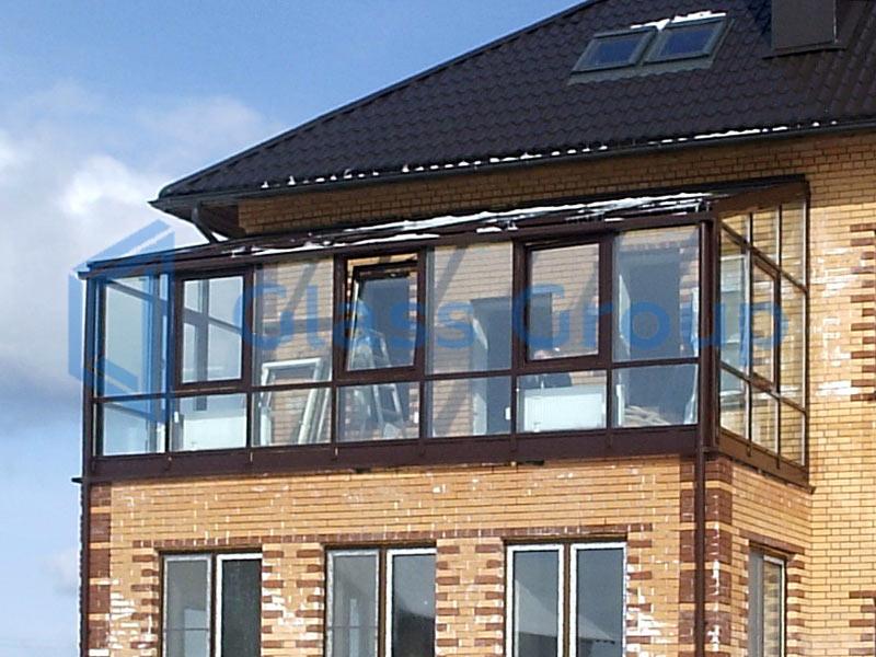 Балкон на крыше пристройки..